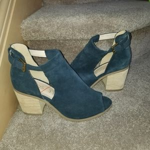 EUC Sole Society peep toe cut out booties